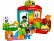 lego-10833-Nursery_School-f1e0d3c8-imm37801-l (1)